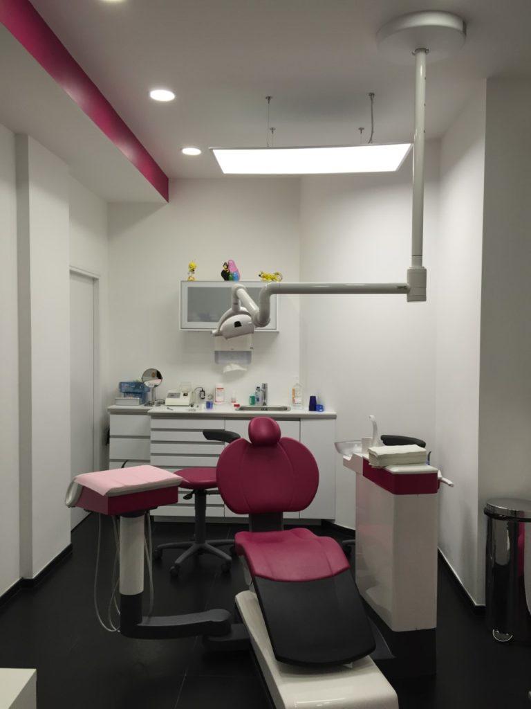 Fauteuil de patient au cabinet du Dr Ichou orthodontiste